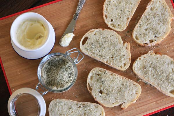 Garlic Bread Slices