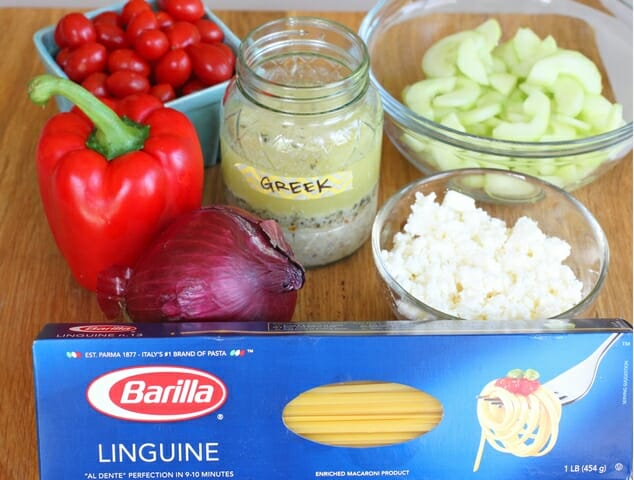 Greek pasta salad ingredients